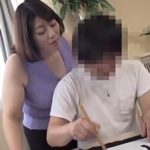 おばさんSNS炎上【動画】爆乳過ぎる母親と童貞息子の中出し交尾